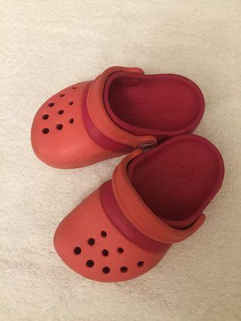 Продам детские сланцы Crocs