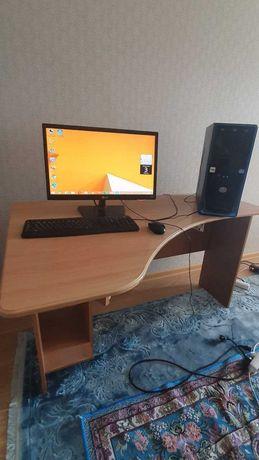 Продам отлично работающий процессор+монитор+клавиатуру со СТОЛОМ!