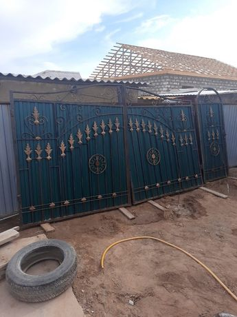 Ворота распашные со стойками