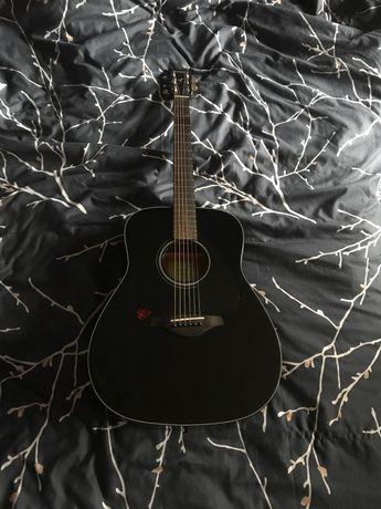 Продам Гитару Yamaha FG-800