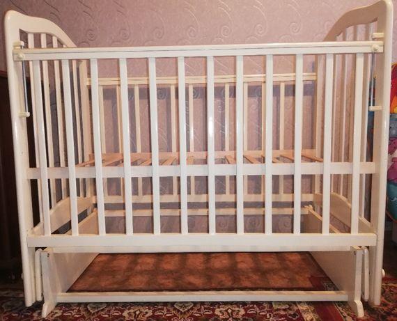 Детская кроватка Лаура-5 (маятник поперечный) без ящика