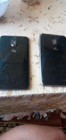 Продам два телефона fly. Одинаковые