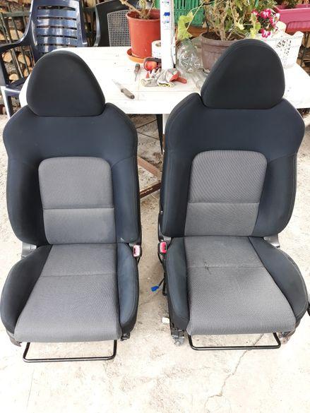 Седалки за Subaru Legacy 2004