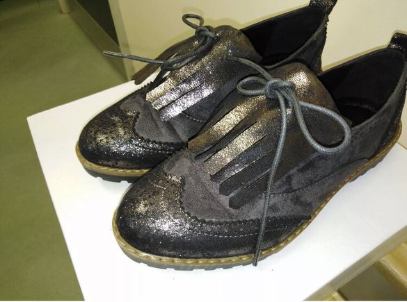 Чисто нови обувки тип oxford