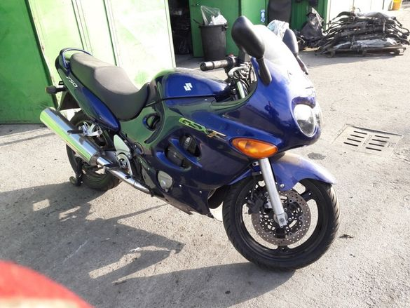 Мотоциклет Сузуки ГСХФ 750 катана (Suzuki Gsx F 750 , Katana)-На части