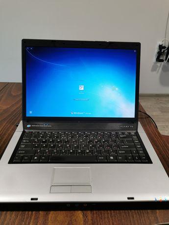 Лаптоп Gigabyte W566U
