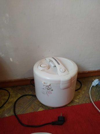 Продается стиральная машина, рисоваРка, камин