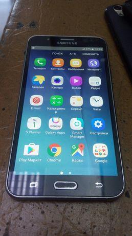 В отличном состоянии Samsung Galaxy J7 16GB J700H Amoled
