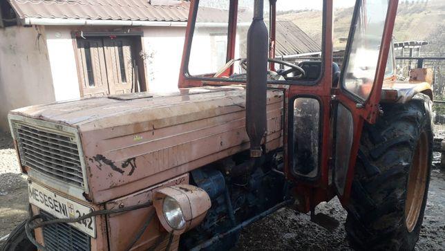 Vand tractor FIAT + remorca + disc si plug