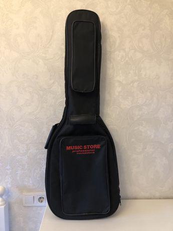 Продам плотный утеплённый кофр для электрогитары