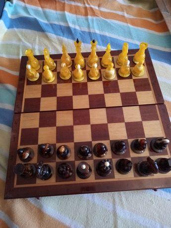 Шах от балтийски кехлибар - за ценители и колекционери