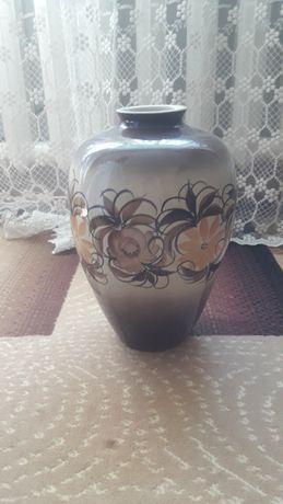 Продам красивую вазу