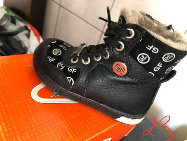 Обувь для девочек или мальчиков 3-7лет