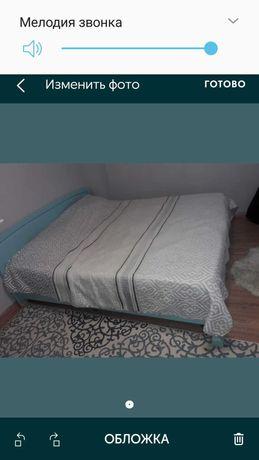 Срочно 2х спальную кровать продам
