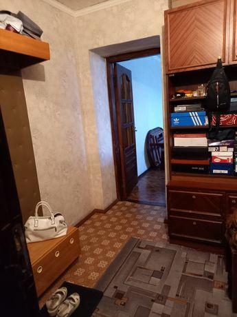 Продам 3комн квартиру 3/9 в центре