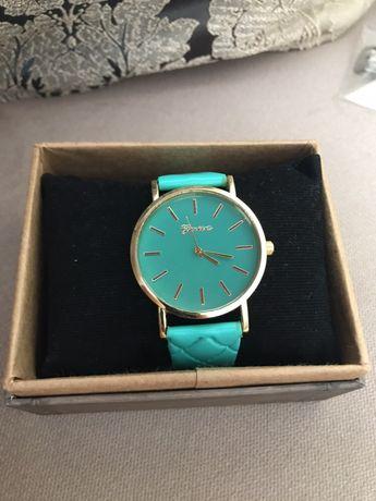 Модерен дамски часовник