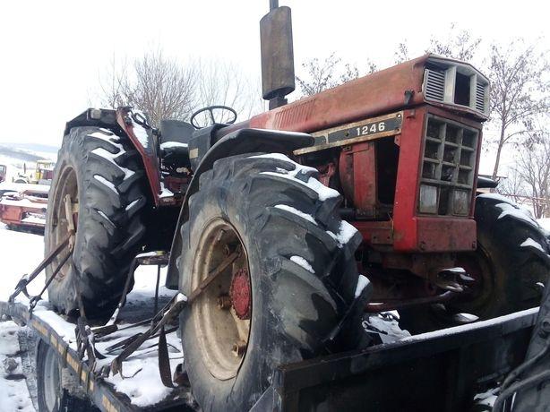 Dezmembrez Tractor Internațional 1246 4x4