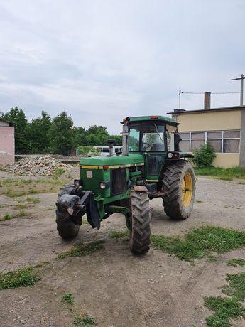 Tractor John Deer 4x4 125 cai 4240