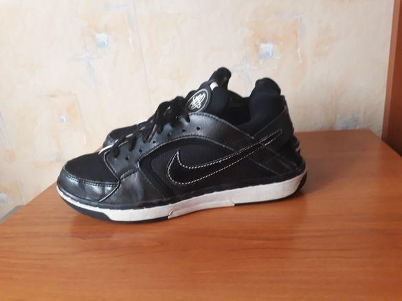 Nike HUARACHE маратонки 35 номер.
