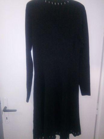 Плетена рокля с дълъг ръкав