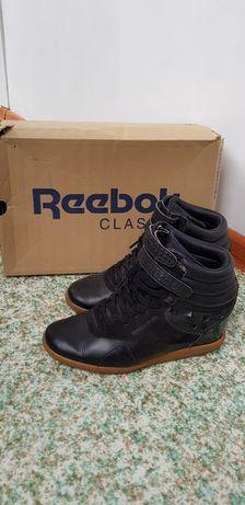 Продам ботинки Reebok