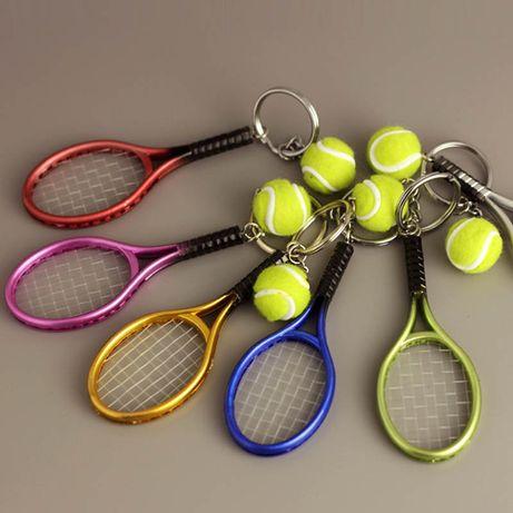 Тенис ракета , тенис топка , ключодържател
