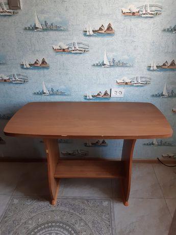 Продам кухонный стол