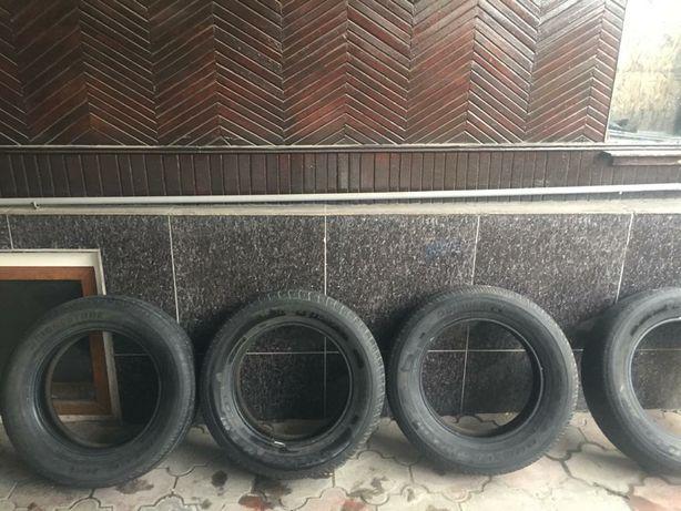 Продам комплект летней резины 225/65/17