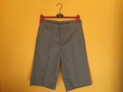 Нови къси мъжки панталони от габардин H&M DIVIDED с етикет