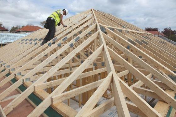 Reparatii acoperis montaj acoperișuri tabla hidroizolații