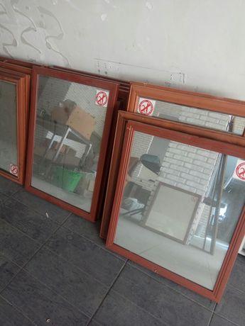 Зеркало в рамке разных размеров
