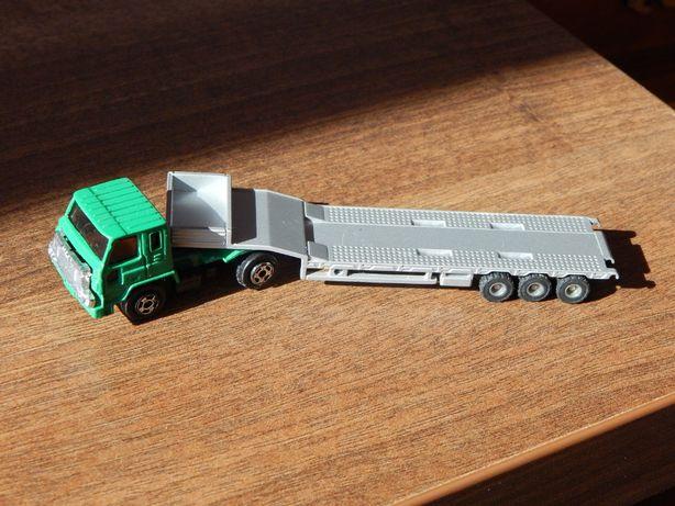 Macheta jucarie camion MACK cu trailer metalic sc 1:120