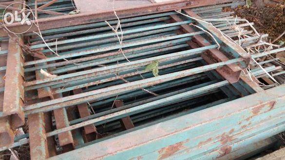Оградни панели от плътно желязо