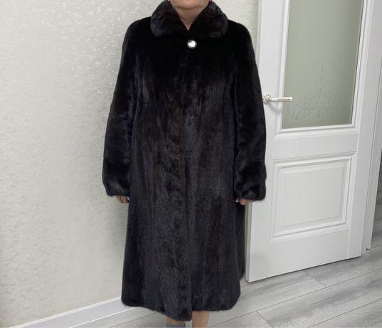 Продается норковая шуба, цвет махагон, 50,52 размер