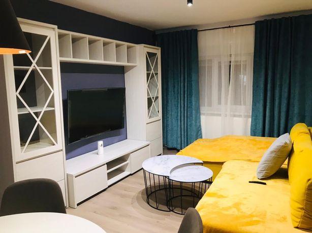 Inchiriez apartament cu 3 camere LUX