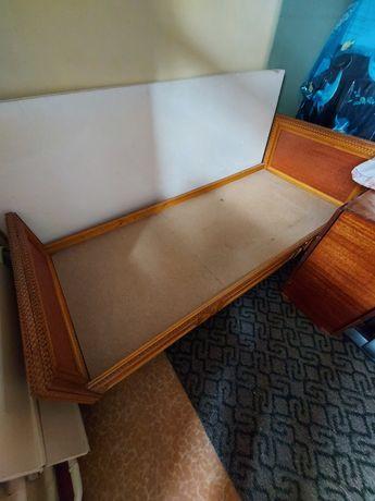 Кровать деревяная, односпалка