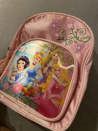Детска раничка с дисни принцеси