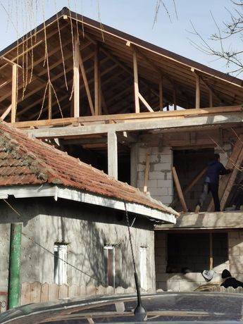 Firma construcții acoperișuri