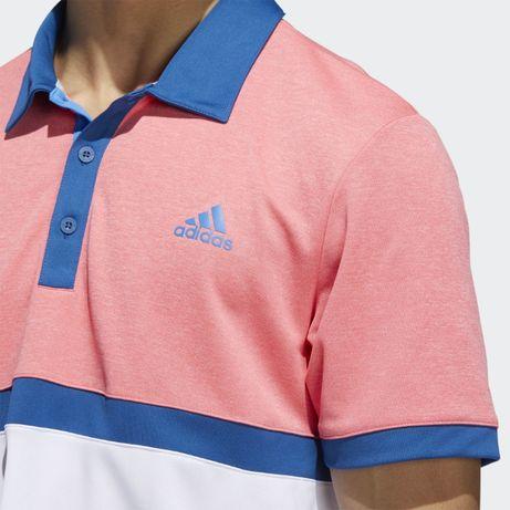 Мъжка тениска предлагащи се в три цвята: сива, синьо и розово.