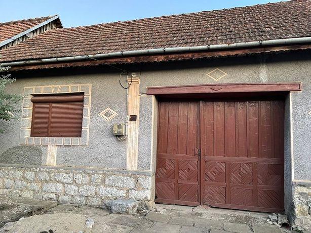 Vand casa in Ciclova Romana