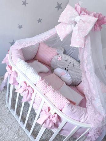 Бортики и постельное белье в детскую кроватку (девочка)