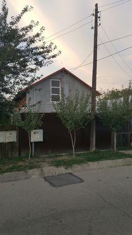 Casa si teren in Comuna Brazi