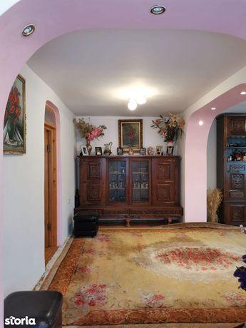 Casa 4 camere Bolotesti