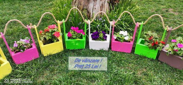 Jardiniere flori