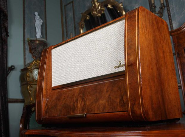 Vand radio pe lampi Siemens Spietzensuper 53, complet restaurat