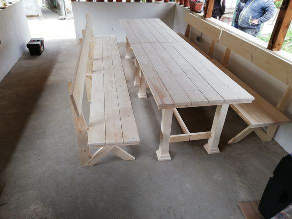 Баварски комплект маса с две пейки