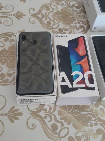 Samsung A 20 в хорошем состоянии