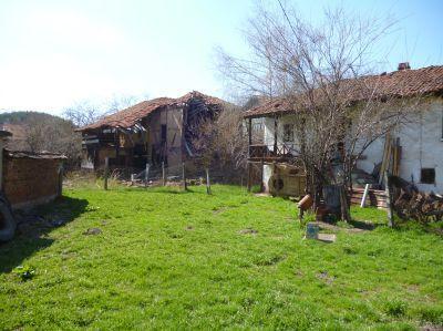Парцел със стара къща реф. № 1000-123