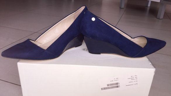Calvin Klein сини велурени обувки,номер 37