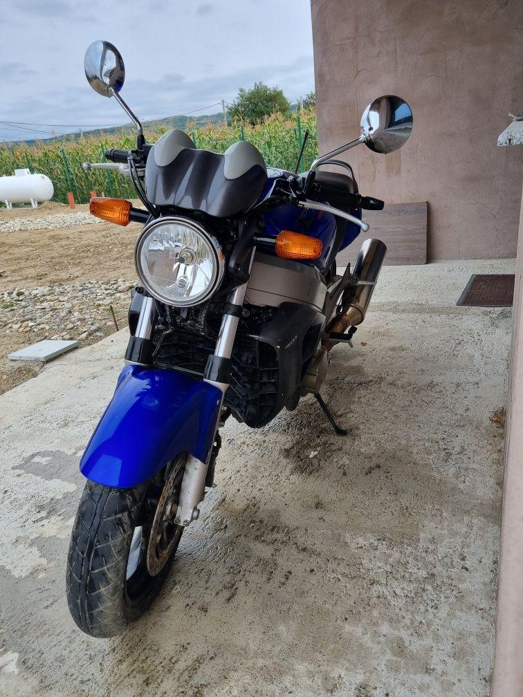 Honda x11 anul 2000